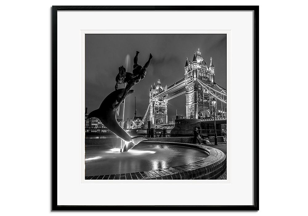 Tower Bridge by Night by Assaf Frank