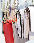 Women s contemporary handbag retail buyers