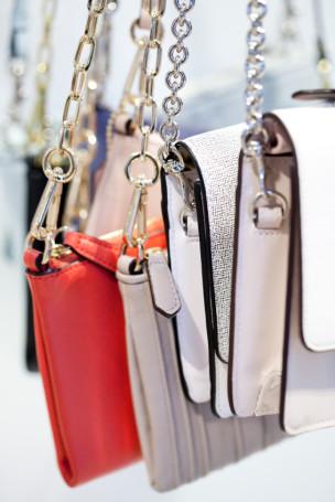Women s contemporary handbag retail buyers