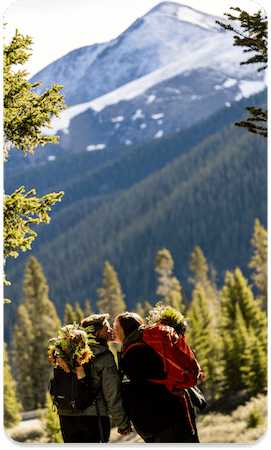 COUPLE PHOTO IN Lake Isabelle Colorado