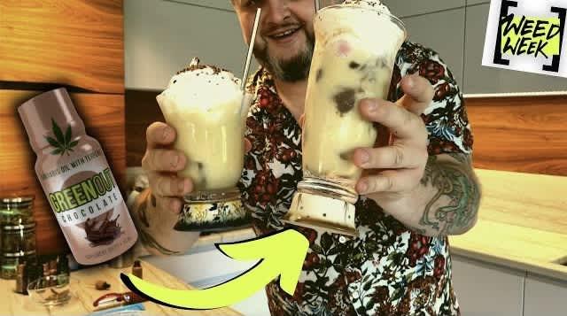 Drinki z GreenOutem: Shake Bananowy