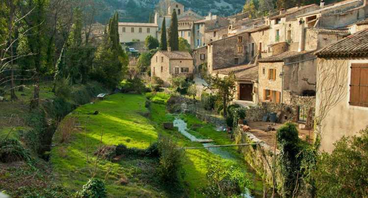 Le village de Saint-Guilhem-le-Désert