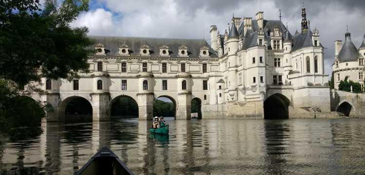 Dans le bassin du château de Chenonceau