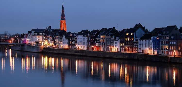 Maastricht est magique, de jour comme de nuit