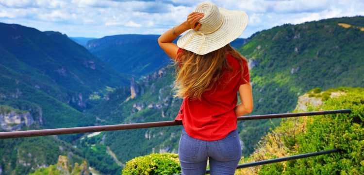 Prendre de la hauteur : 4 canyons spectaculaires en France