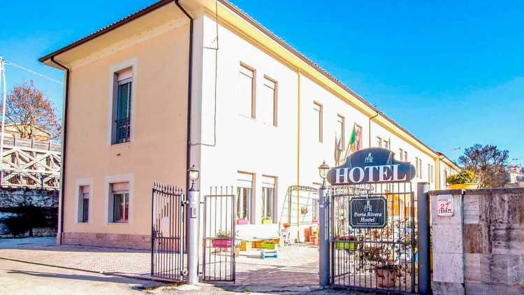 Hotel Porta Rivera