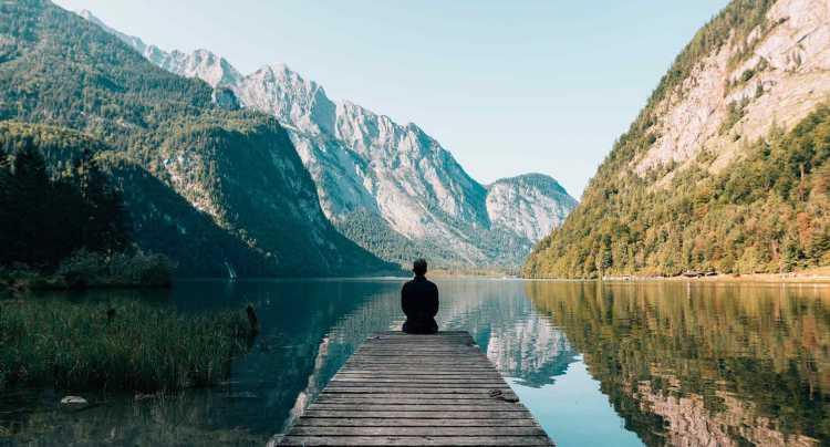 De rust van een meer in Duitsland