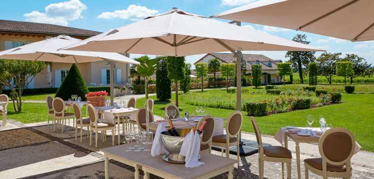 Terrasse du Restaurant : Hôtel Château Et Spa Grand Barrail