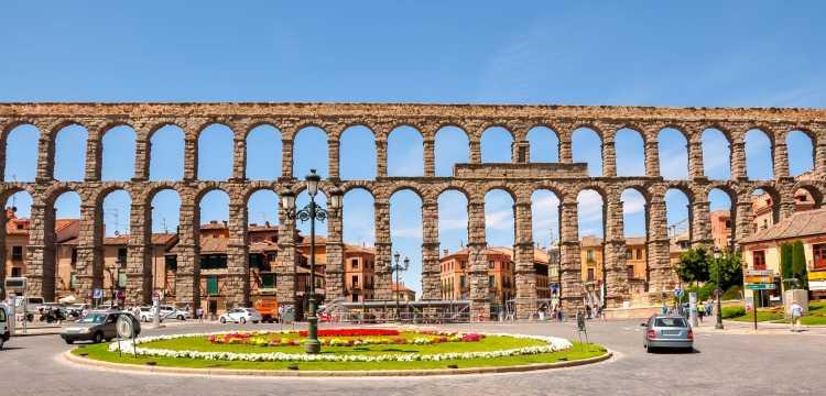 Excursión a Ávila y Segovia en un fin de semana