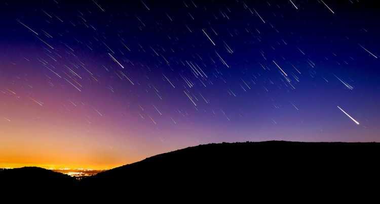 Un cielo gocciolante di stelle