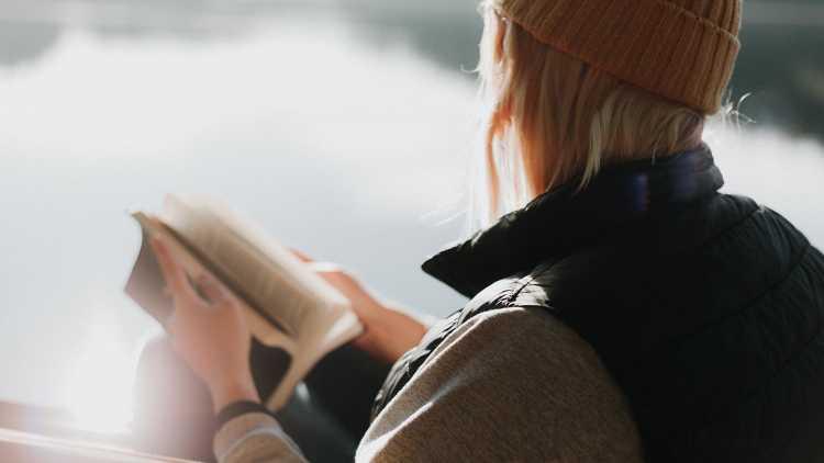 Desconectar con un libro
