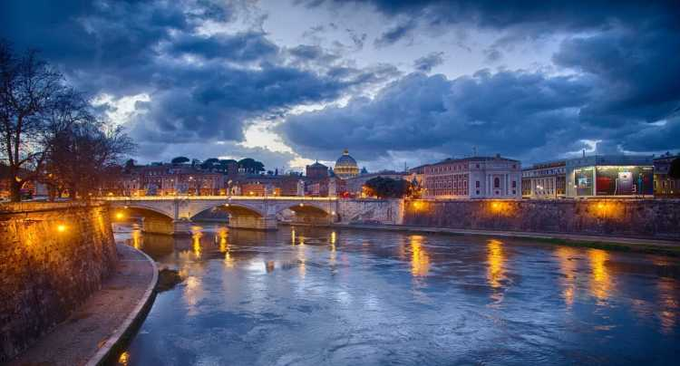 Ponte del 1 Novembre a Roma