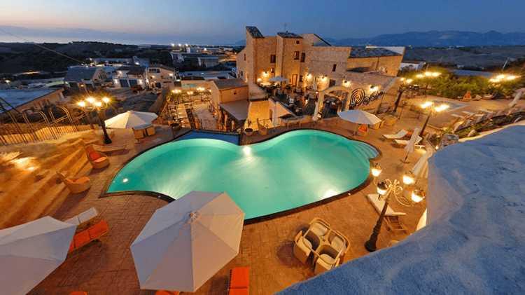 Piscina esterna Grand Hotel La Batia