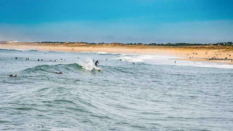 Surfer à Hossegor