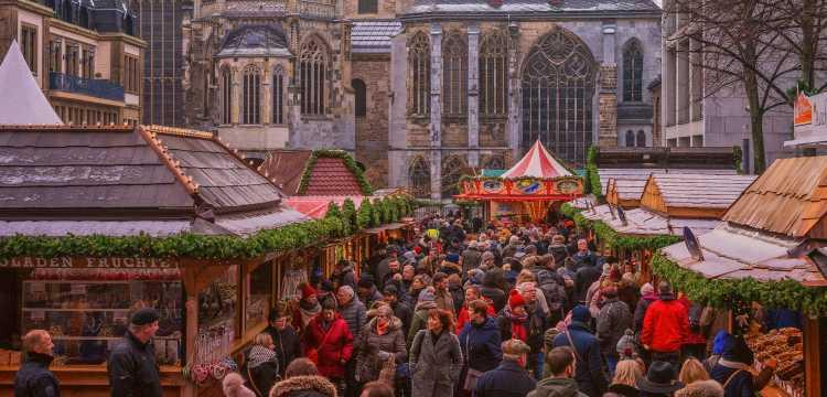 Kerstmarkt in Aken