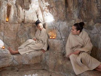Hammam qui ressemble à une grotte