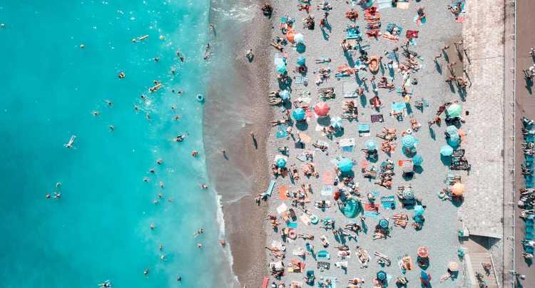 Le sue acque blu