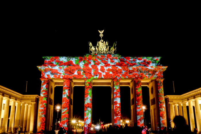 Pendant 9 jours, le festival des Lumières illumine les monuments et espaces célèbres de Berlin.