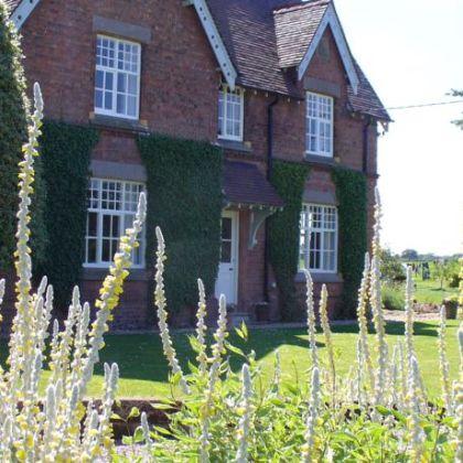 New Hall Farm B&B, Tarporley: Deals & Booking | iq wego com