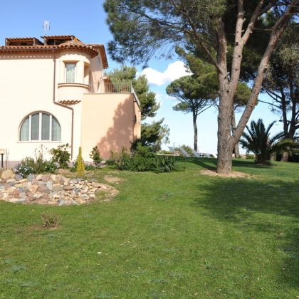 Villa Angelina Jardin, Grimaud: Deals & Booking | bh.wego.com