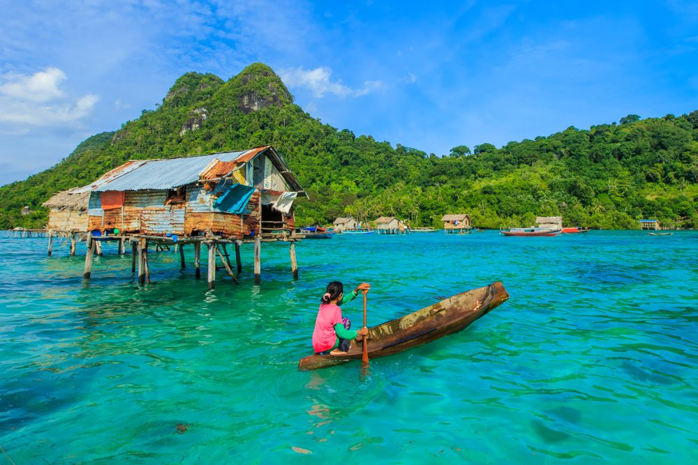 Rebuilding a Paradise in a Diving Haven: My Sun-Drenched Volunteering Experience in Borneo