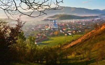 3 Hidden Beauties I Found on My Road Trip Across Romania: Breathtaking Views Beyond Transylvania