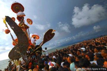 Tabuik Muharram di Pantai gandoriah Pariaman, Sumatera Barat
