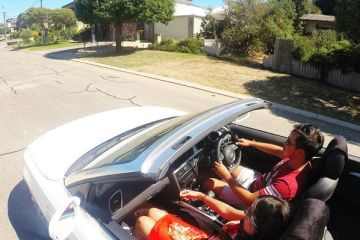 Driving_in_Perth_Neighborhood_f1e2rr