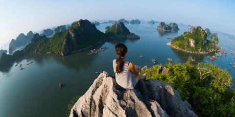 Halong bay and enjoy the beauty of seascape