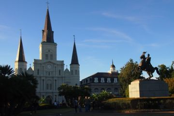 Cover-image-St-Louis-Cathedral-Andrew-Jackson-statue-Jackson-Square_hghnrp
