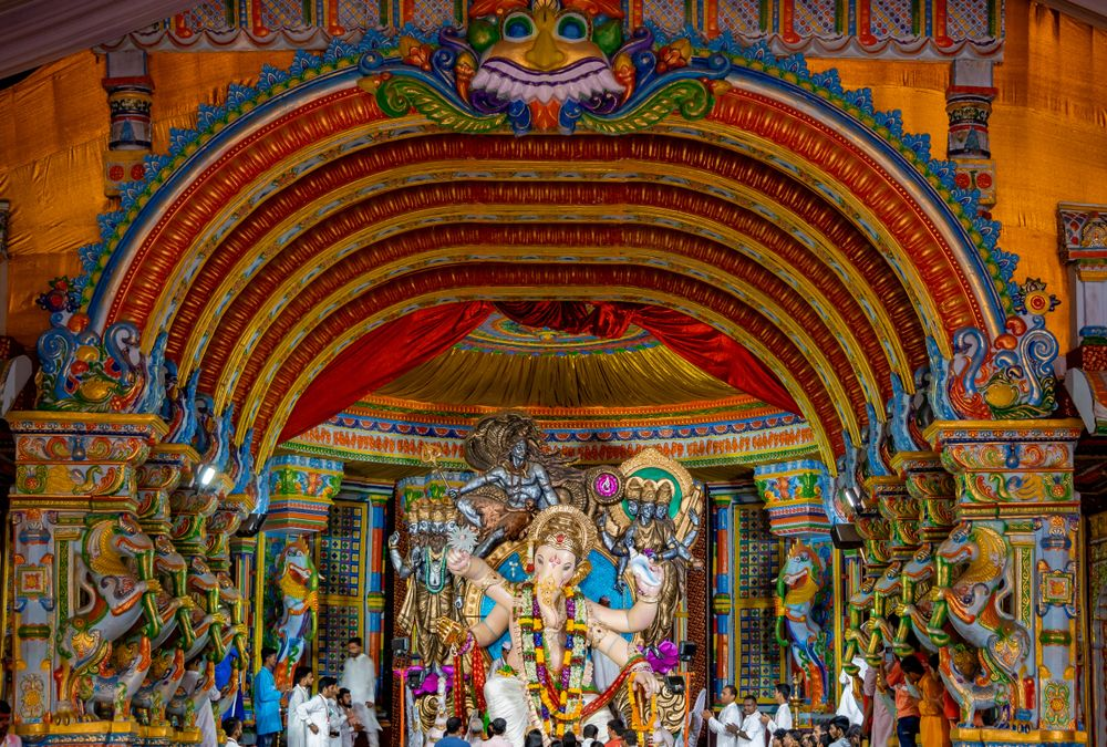 6 Iconic Ganpati Pandals of Mumbai That Absolutely Turn the Entire City Into a Colorful Work of Art