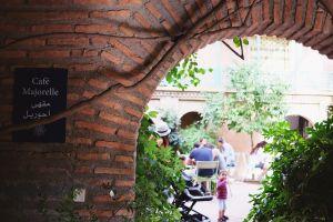 Ada kafenya juga, lho (foto: Mega Caesaria).