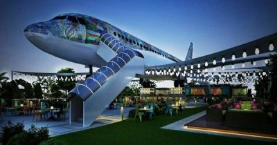 Boarding now - India's airplane restaurant, on the ground
