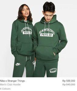 pasangan berjaket hijau