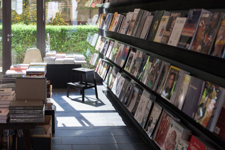 Menelusuri Toko Buku Indie di Berlin Jerman - Do You Read Me