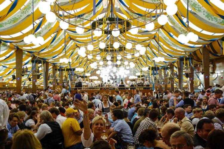 Mengintip Keseruan Festival Bir Tahunan Jerman Oktoberfest