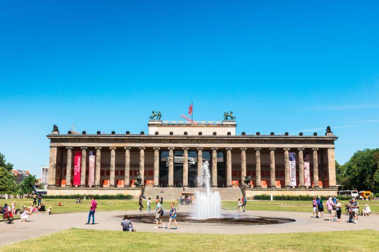 Menjelajahi Masa Lalu di Museum Island Berlin