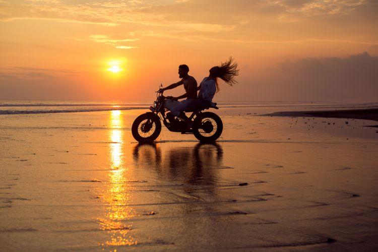 Sunset di Bali bersama pasangan