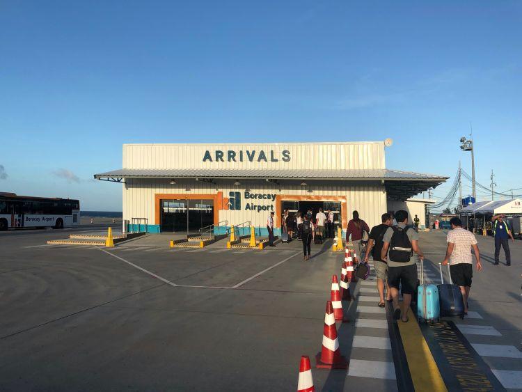 Terminal kedatangan Bandara Godofredo P. Ramos, Caticlan.