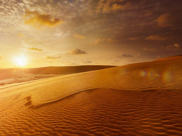 7 Hal Seru yang Wajib Dilakukan di Mui Ne_Sunrise di White Sand Dunes