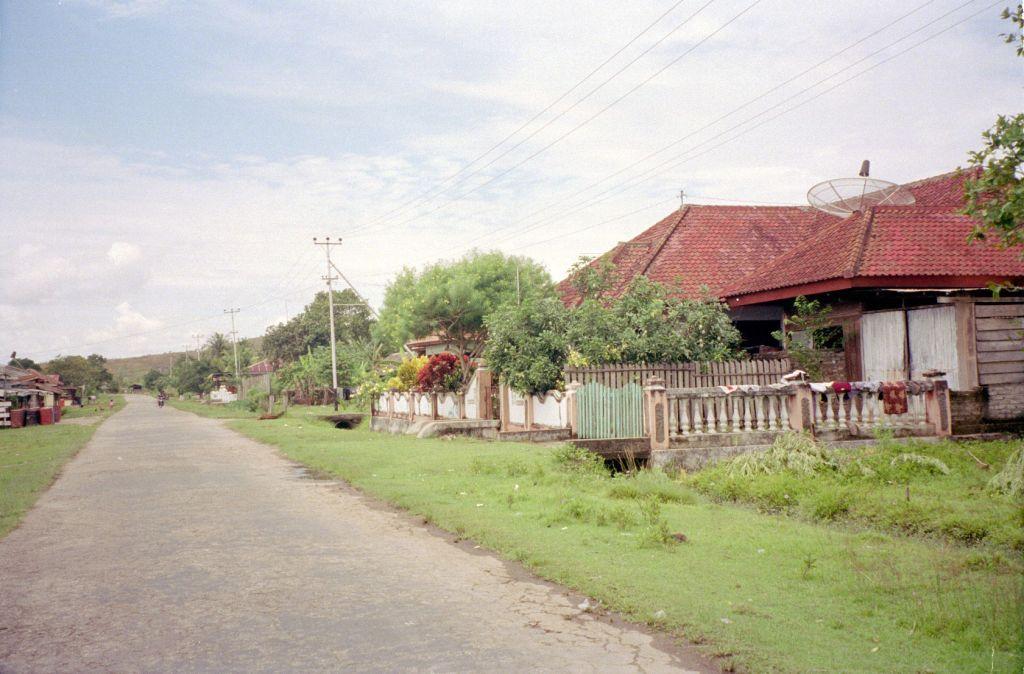 Pulau_Buru_via_TEMPO-Tomi_Leban