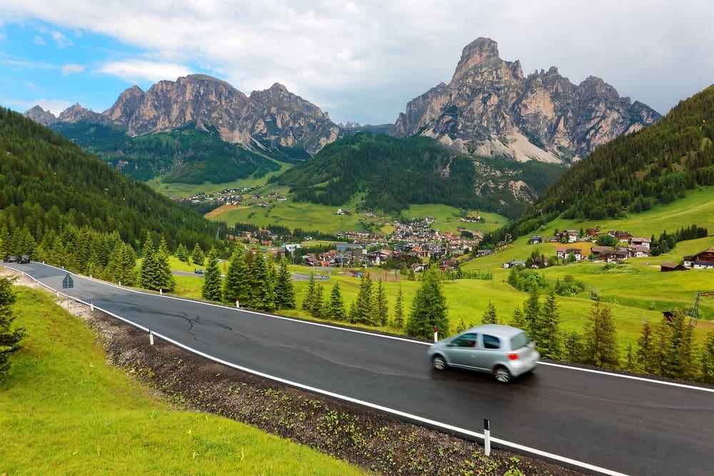 رحلات بالسيارة تخطف الأنفاس في إيطاليا