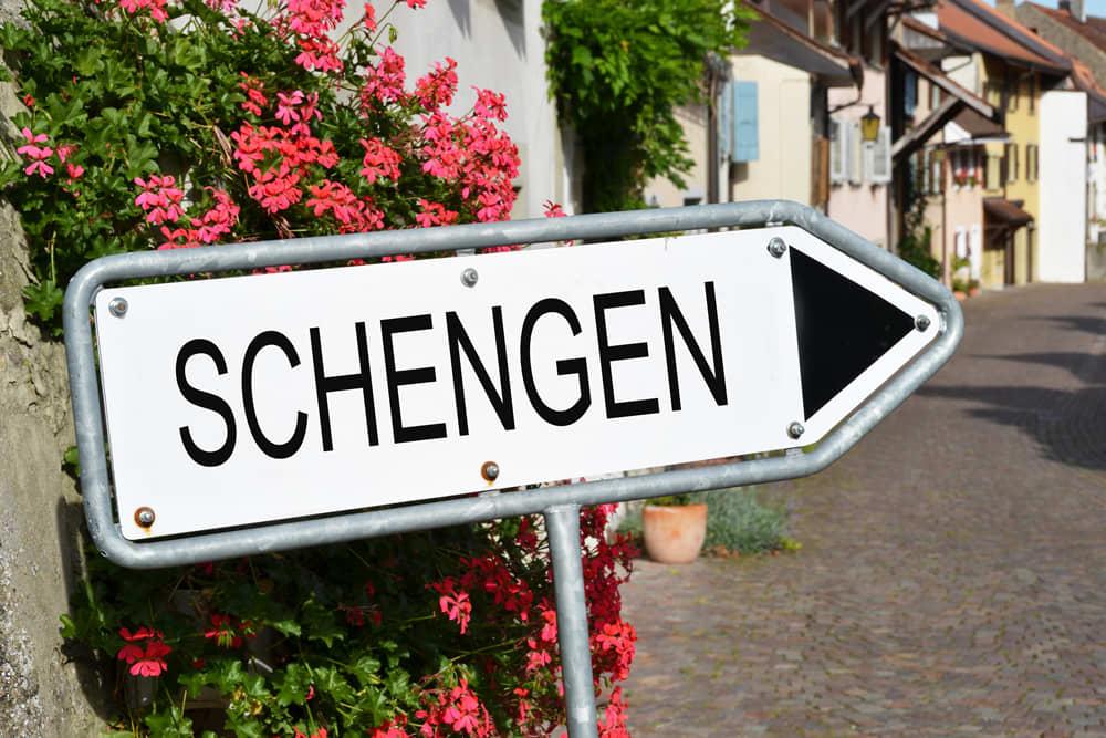 ماذا يجب أن تعرف عن القوانين الجديدة لتأشيرة سفر أوروبا؟