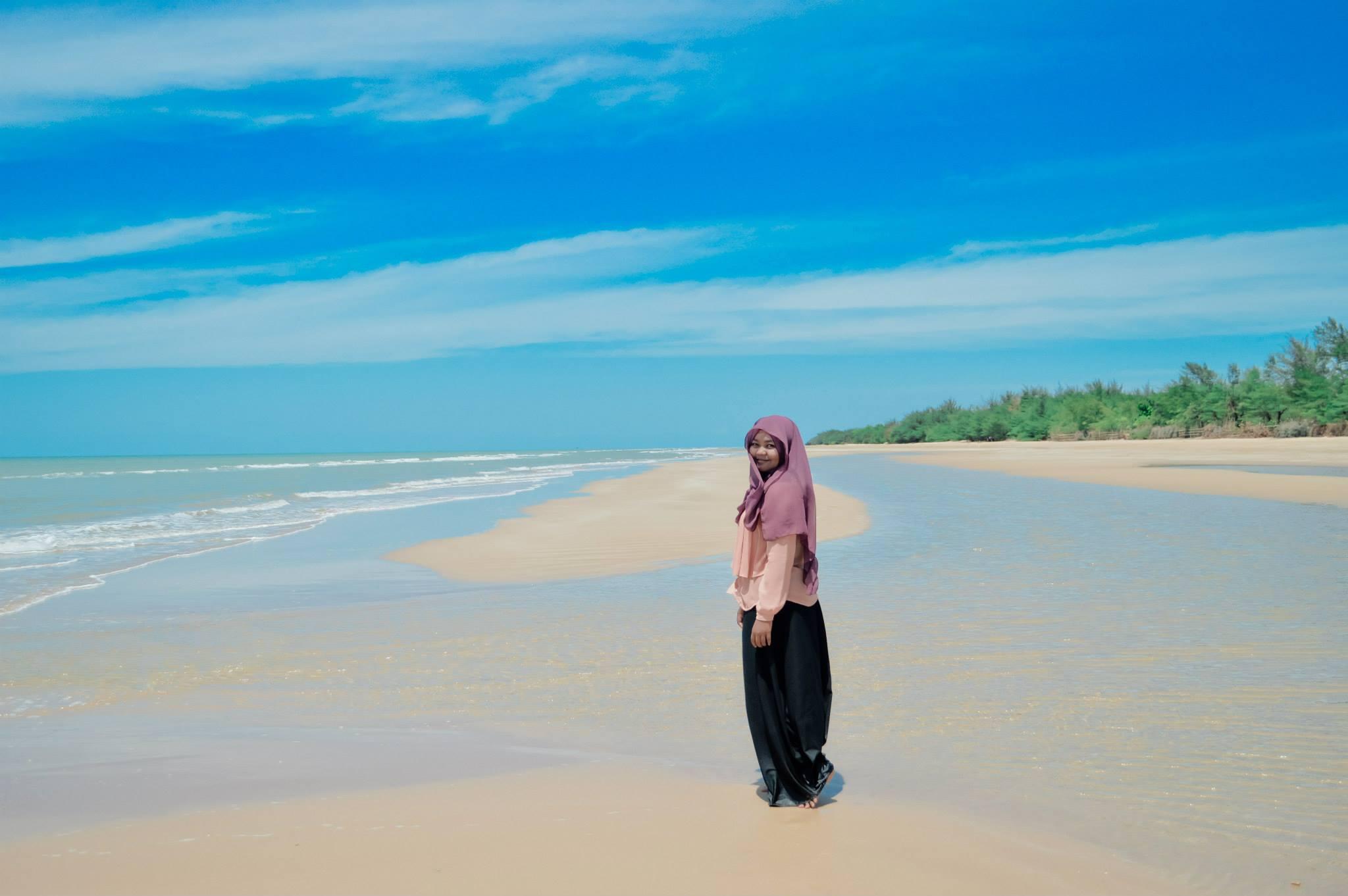 Pantai Lombang Surga Pribadi Di Pulau Garam Wego Indonesia Travel Blog