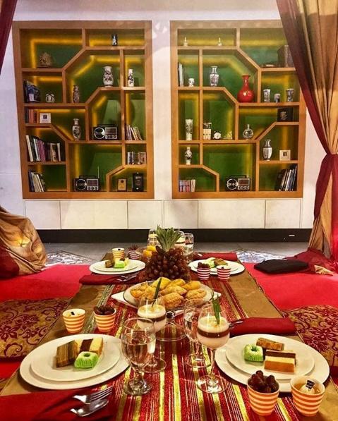 Paris Lyon Cafe Allium
