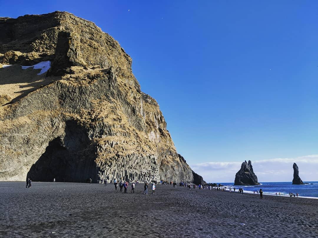 黑沙灘洞穴