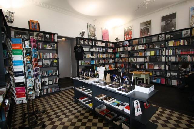 Menelusuri Toko Buku Indie di Berlin Jerman - Einart and Bert