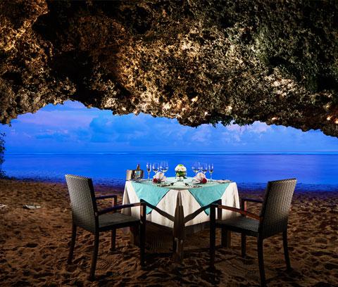 8 Tempat Dinner Romantis di Bali