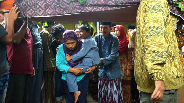 Tradisi Unik yang Hanya Ada di Indonesia