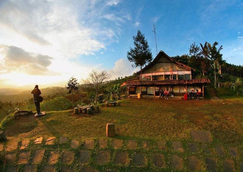 pemandangan Bandung dari atas Bukit